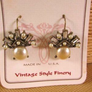 Sweet Romance Crystal Baguette Pearl Earrings